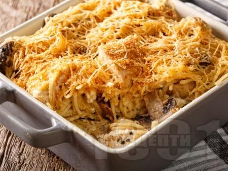 Пиле със спагети и сос със сирена - крема сирене, пармезан и моцарела - снимка на рецептата